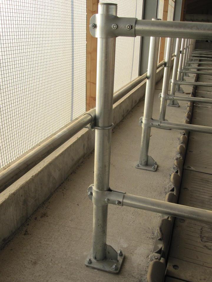 Wandliegeboxen-Säulen zum aufdübeln